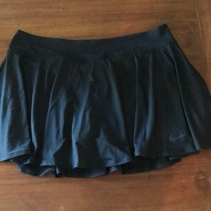 New Nike Dri-Fit black skirt w shorts underneath